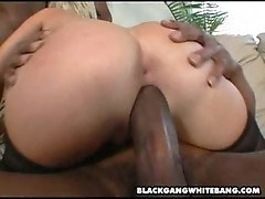 Babe get powerful facial from black